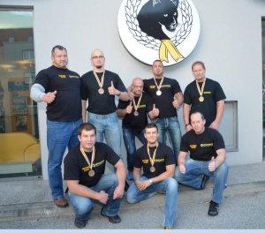 Team_drueckt